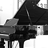 ヤマハ コンサートグランドピアノ CF フリースペースにて演奏できます。是非、コンサート気分を味わって下さいませ!